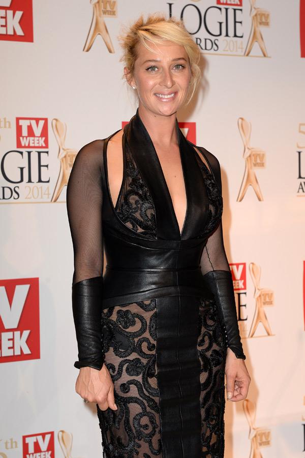 Asher Keddie, winner of the Outstanding Actress Logie. Photo: AAP