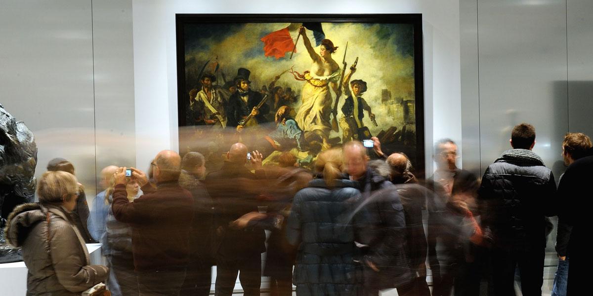 """The Eugene Delacroix masterpiece """"La Liberté guidant le Peuple"""" (Liberty leading the people) at the Louvre Lens Museum. AFP photo"""