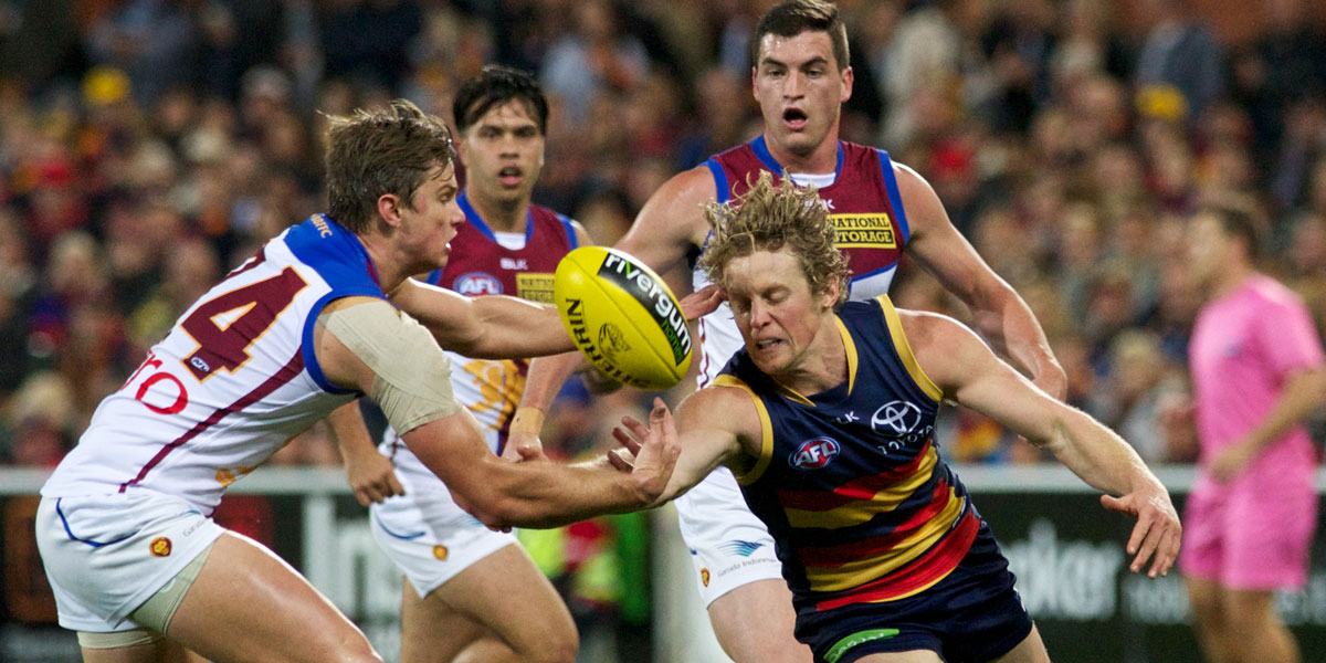 Rory Sloane competing for the ball. Photo: Michael Errey/InDaily