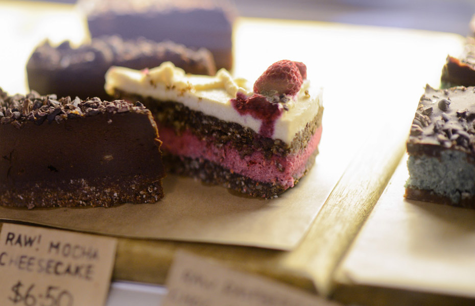 Earth-Kitchen-raw-desserts
