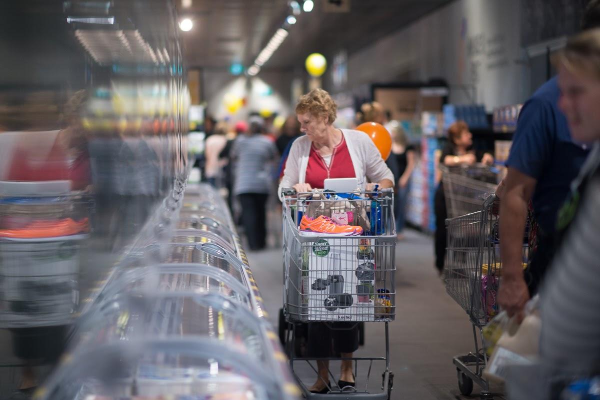 Some of the first shoppers in the Parafield Gardens store. Photo: Nat Rogers/InDaily
