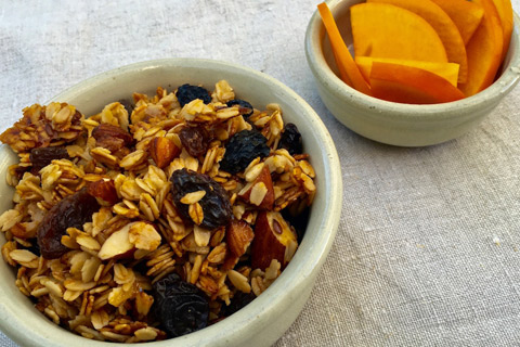 Honey-and-almond-granola-resized