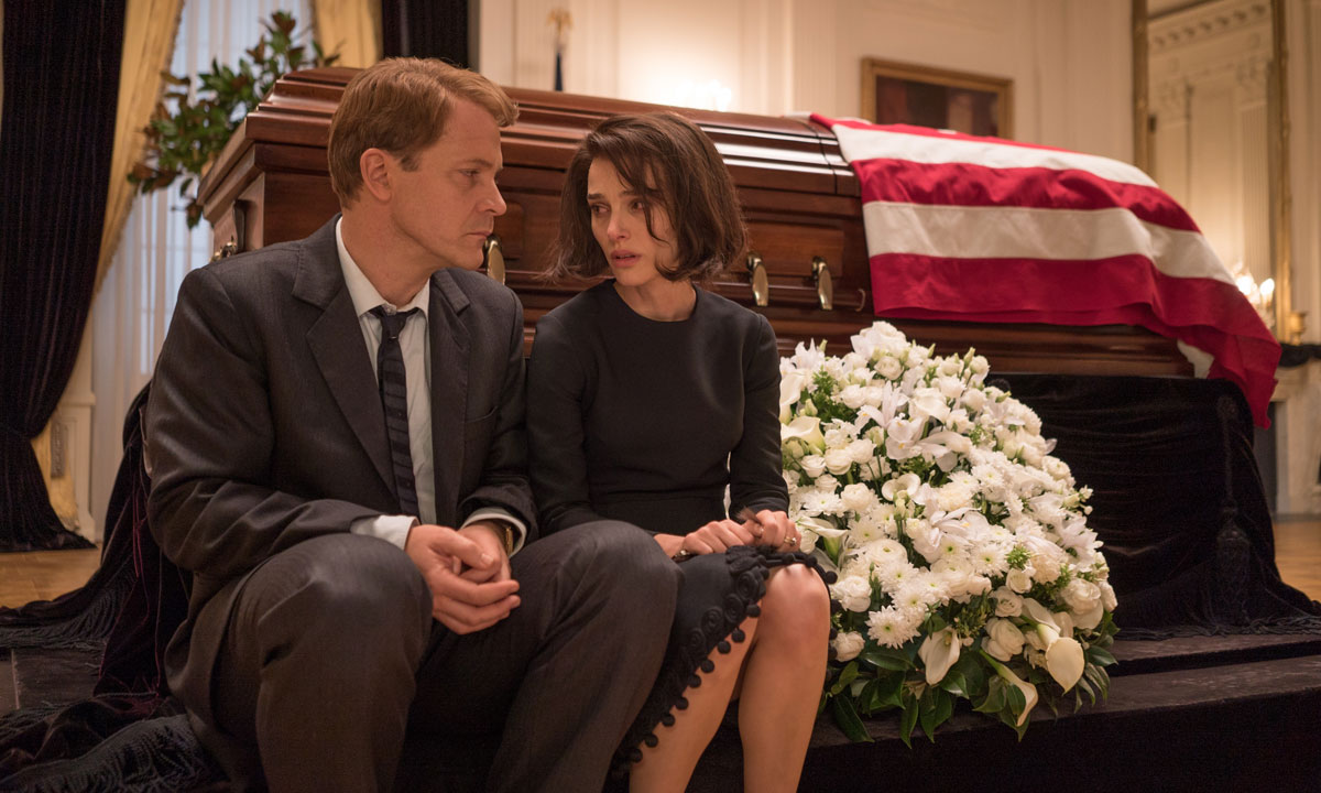Peter Sarsgaard and Natalie Portman as Bobby and Jackie Kennedy.