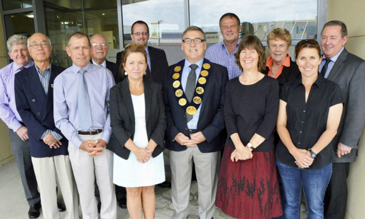 Kangaroo Island Council. (Left to right) Graeme Connell (resigned), Ken Liu, Deputy Mayor Graeme Ricketts, Peter Denholm, Cathie Tydeman, Andrew Boardman (CEO), Mayor Peter Clements, Larry Turner, Pip Masters, Joy Willson, Sharon Kauppila and Ted Botham (Director Council Services).