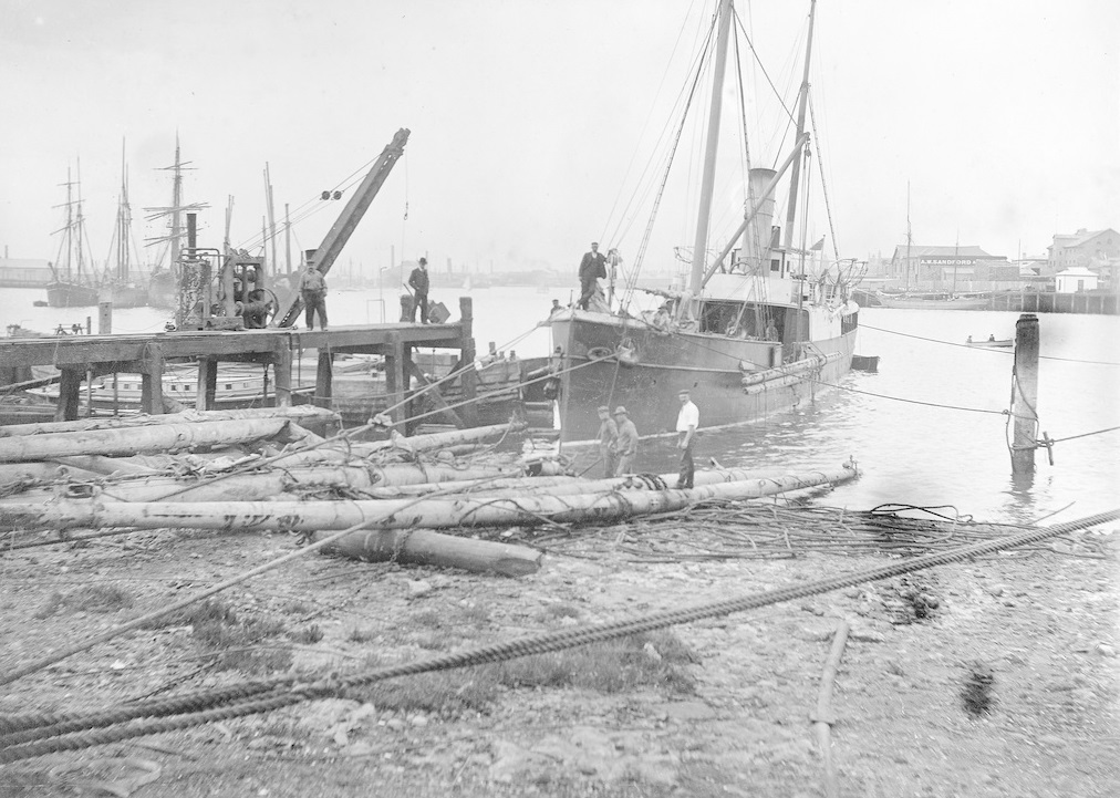 SS Governor Musgrave with spars from the wreck of Norma, Port Adelaide, 1907. Image courtesy Searcy Collection, State Library of South Australia SLSA: PRG 280/1/1/299