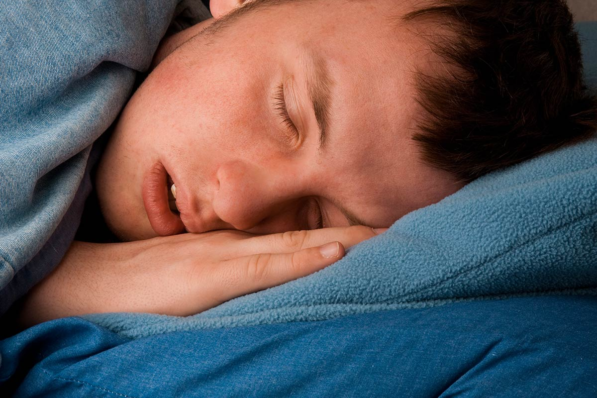 teenage-boy-sleeping